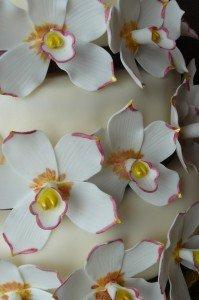 orchideás esküvői torta 3